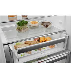 Electrolux cooler integrable de 1.768 x 556 x 549 mm con display digital, control elec lrb3de18c - LRB3DE18C