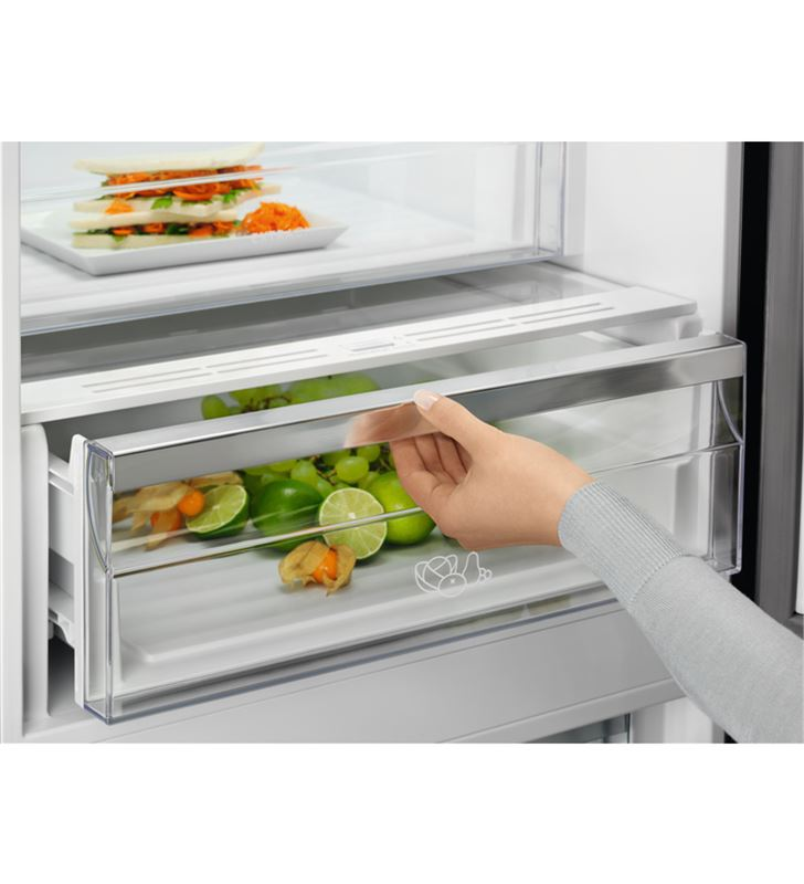 Electrolux LNC7ME32W1 frigorífico combi e 186cm Frigoríficos combinados - 86227045_9771285383