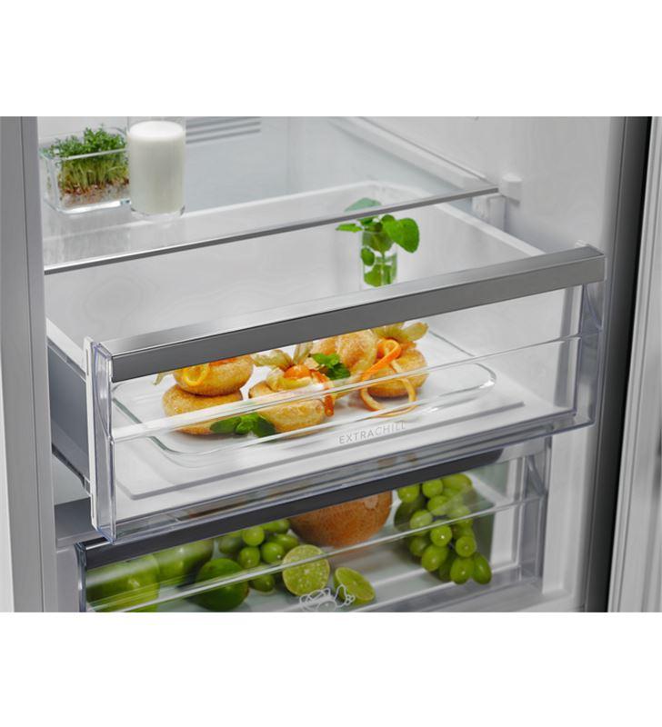 Electrolux LNC7ME32W1 frigorífico combi e 186cm Frigoríficos combinados - 86227045_0082639862
